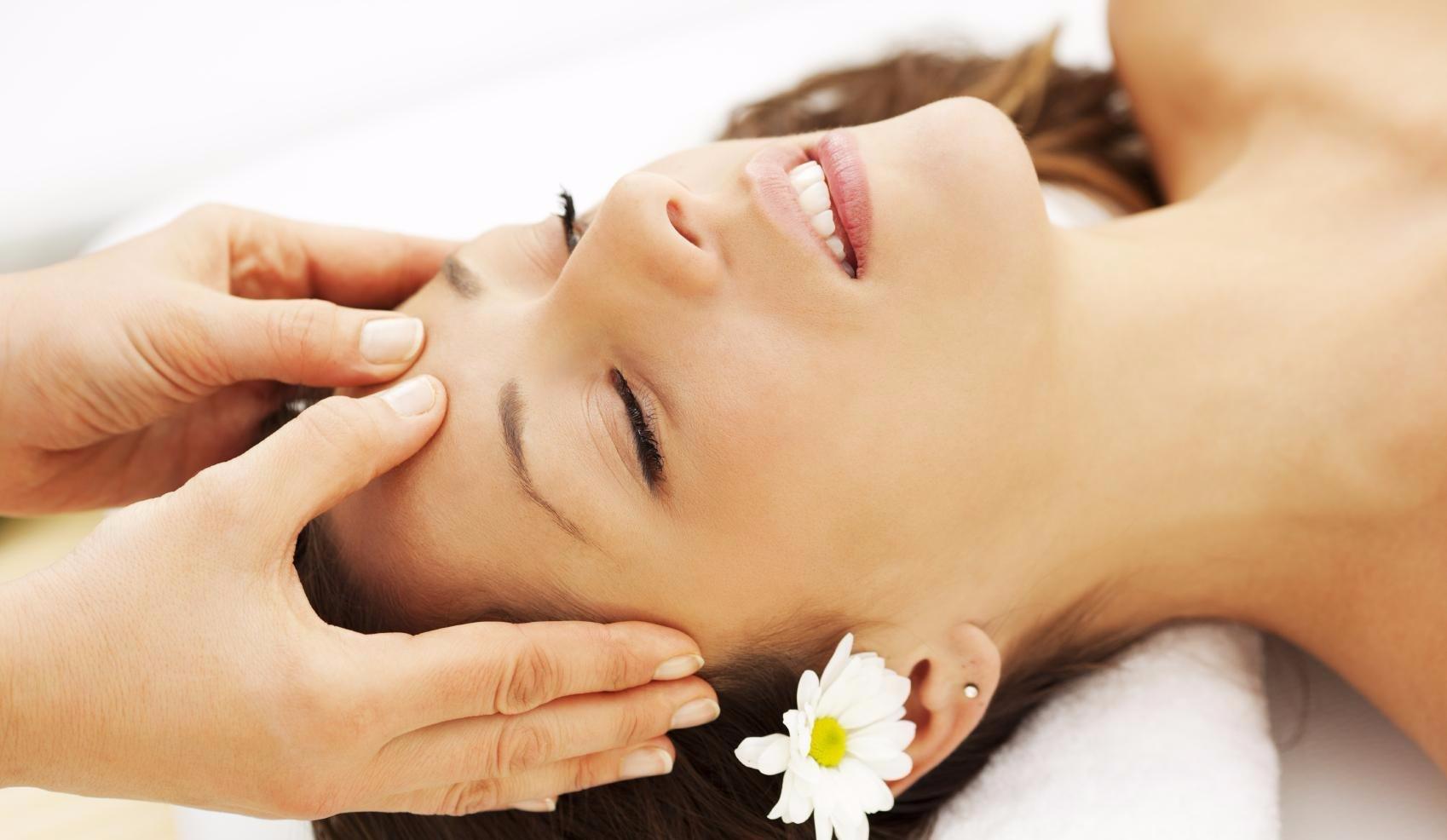 Японский расслабляющий массаж тела лечение акне аппаратом